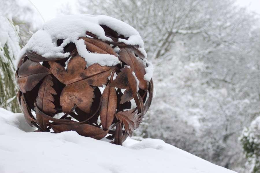 Leaf Globe in the snow
