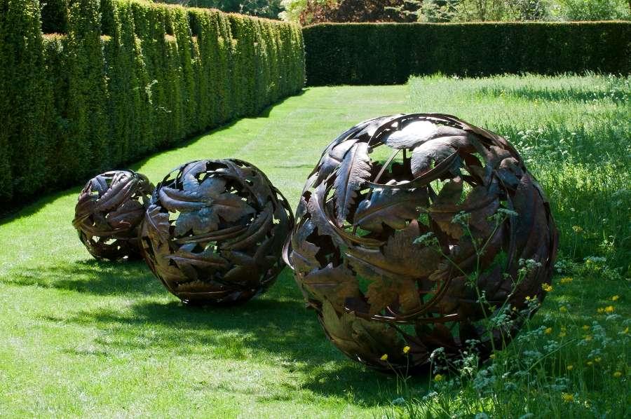 Leaf Globes